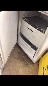 Fridge and fridge freezer /washing machine