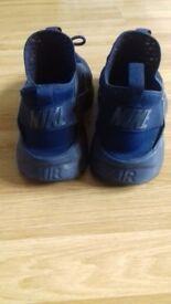 Nike huaraches size 9 (used)