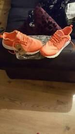 Nike huaraches new