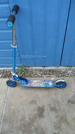 Children's 2 wheel scooter - Skylander Giants