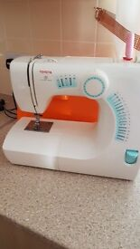Toyota sewing machine excellent condition comes with all accessories