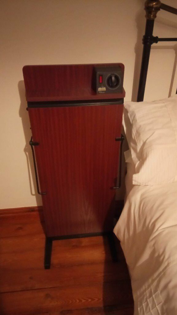 Corby Trouser Press in good condition with user manual. The easy way to have smart pressed trousers!