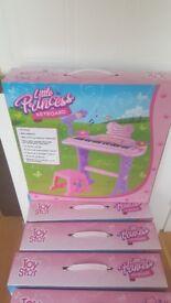 8 Brand new girls keyboard sets in box