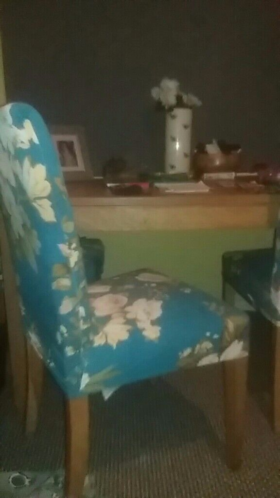 Large wooden dining table & 4 Chairs