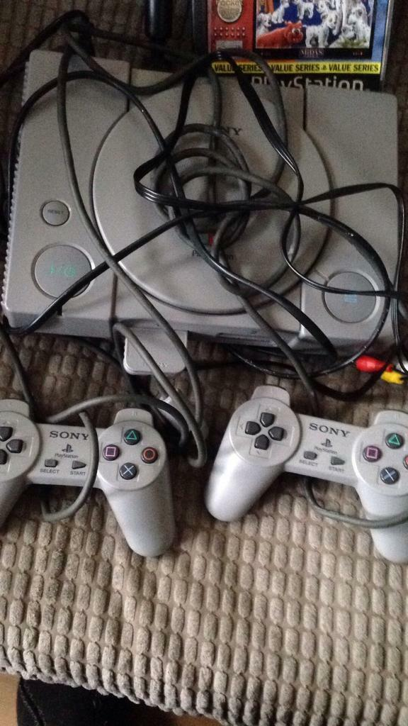 Ps1 console with one game