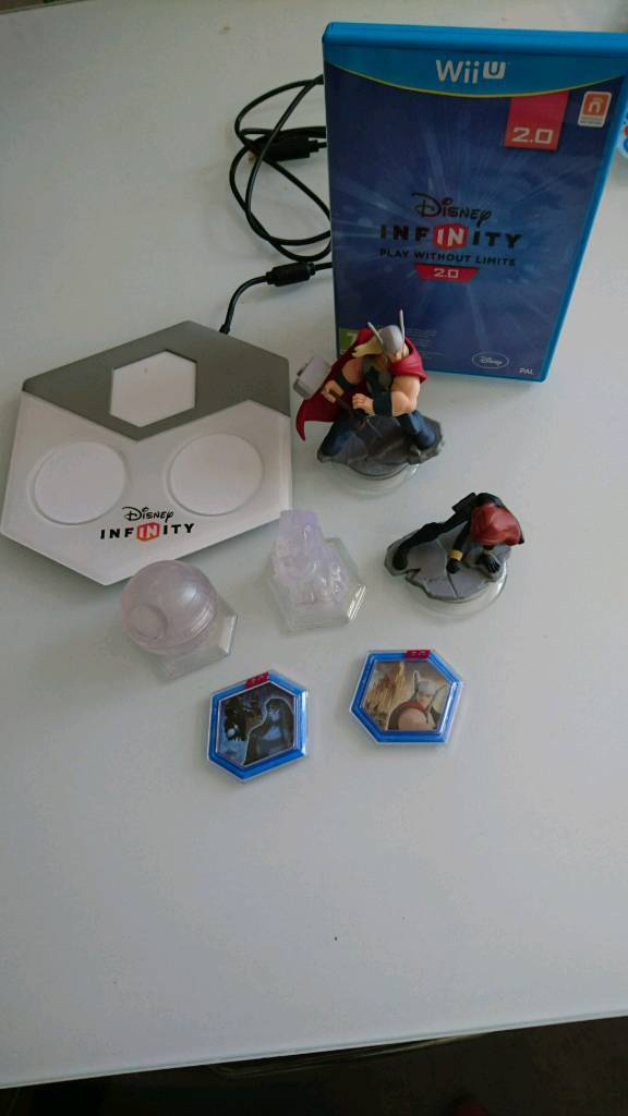 Disney Infinity game, figures and portal (Wii U)