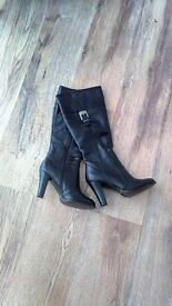 Black Italian Leather size 5 Boots