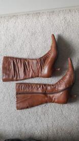 Dune boots, kitten heel, size 5