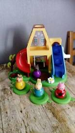 Peppa pig weeble wobble house with weeble peppa and friends
