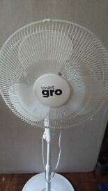 """Large Smart Gro 16"""" Fan"""