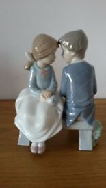 """NAO By Lladro Boy & Girl On Bench """"First Love"""" Figurine"""