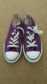 Girls purple converse size 13.5