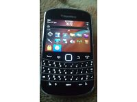 BlackBerry Bold 9900 - 8GB - Black (Unlocked) Smartphone