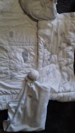 Cotbed bedding white/grey winnie the pooh