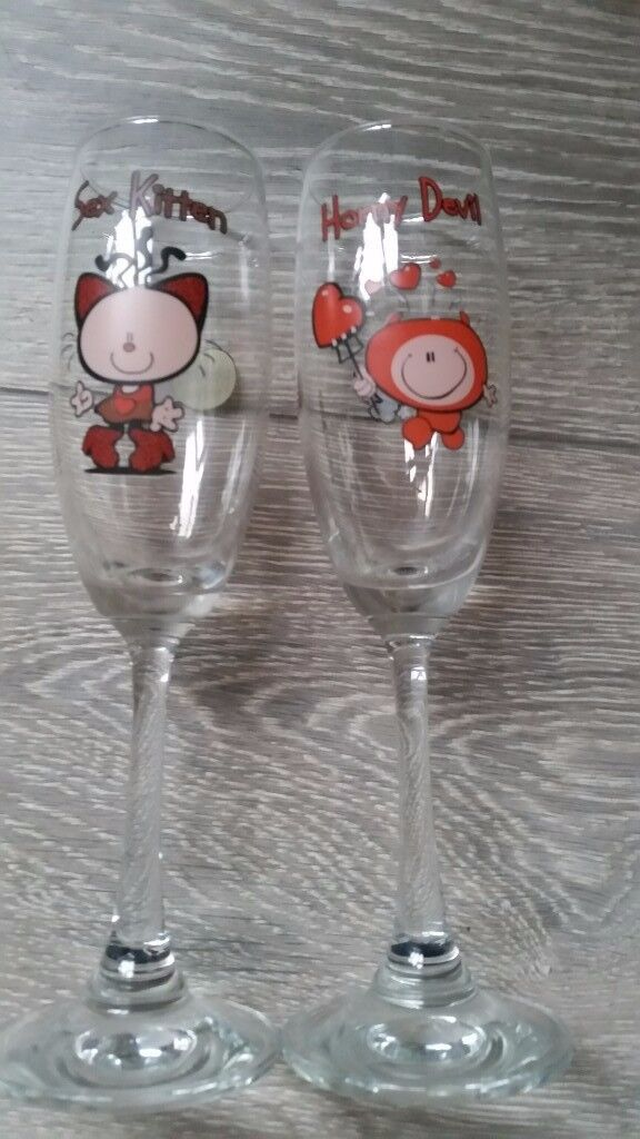 2 funky champagne flutes excellent condition