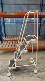 Mobile Safety Step Ladder 4 Steps