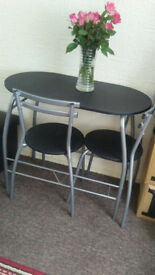 Used dining table and chairs in a very good condition