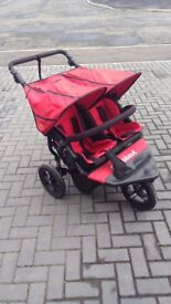 V4 Out and about double buggy