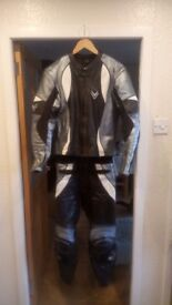 Frank Thomas 2 piece leathers