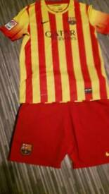 BARCELONA FOOTBALL CLUB STRIP AGE 13-15 AS NEW CONDITION