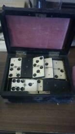 Antique dominos