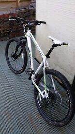 Mongoose tyax competition mountain bike