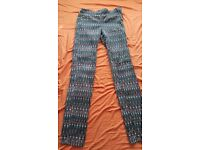 H&M patterned cigarette style trousers, size 6, wanting £5