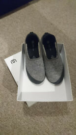 Mahabis classic slippers, light grey with detachable black soles, size EU39/UK6