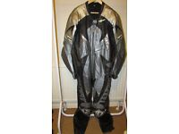 "Motorcycle one piece leathers Mens racing or road touring size 44"" chest silver grey/black"
