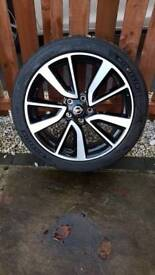 Nissan Qashqai Tekna 19 Alloy Wheel With Michelin Tyre Genuine Part