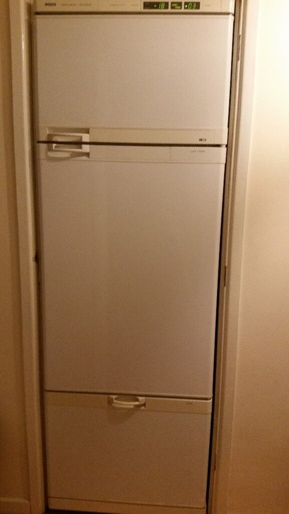 Large Bosch Fridge, Freezer and separate Large Drinks Cooler Compartment