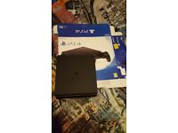 Ps4 slim 2x conrolers and 5x games