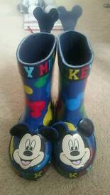 Size 4 unisex wellies. Mickey Mouse. Worn once