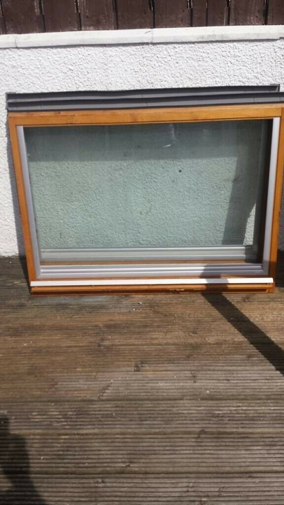 2 Velux Ggl U04 Roof Windows New Slate Flashing Kits And