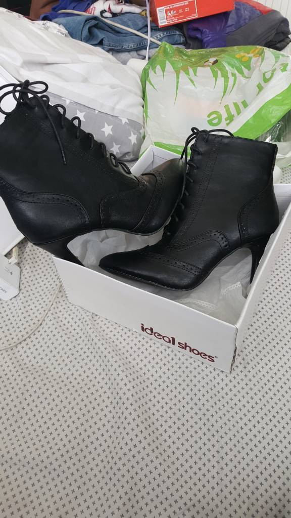 New black ankle boots size 5