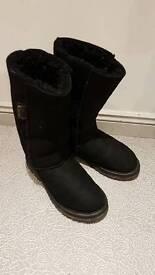 Celtic sheepskin ladies calf boots black size 5