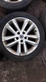 Alloys 17 inch with tyres Astra vectra zafiara