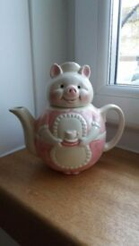 Teapot happy pig