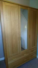 Excellent Quality Wardrobe with Drawers
