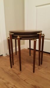 Mid Century Atomic Round Cocktail Nesting Tables (Set of 3)