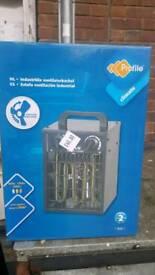 Fan oil heaters radiators