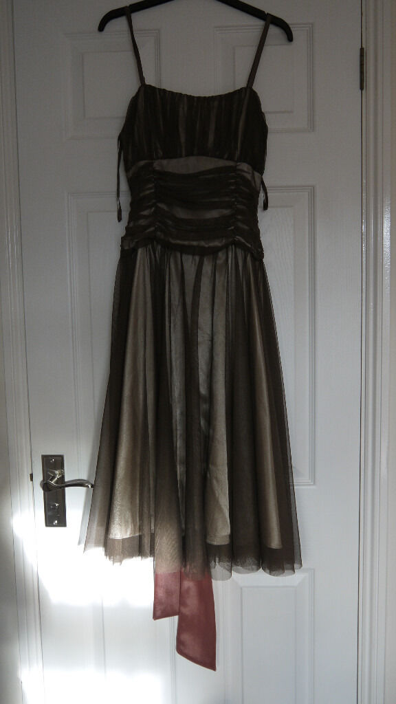 DRESS.SIZE 8, THIN STRAPS,RUCHED FRONT & BACK DETAIL, BROWN WITH CREAM/GOLD UNDERLAY,SATIN SASH