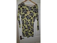 BNWT Boohoo Yellow floral playsuit size L 14/16/18 pet&Smoke free unworn perfect condition