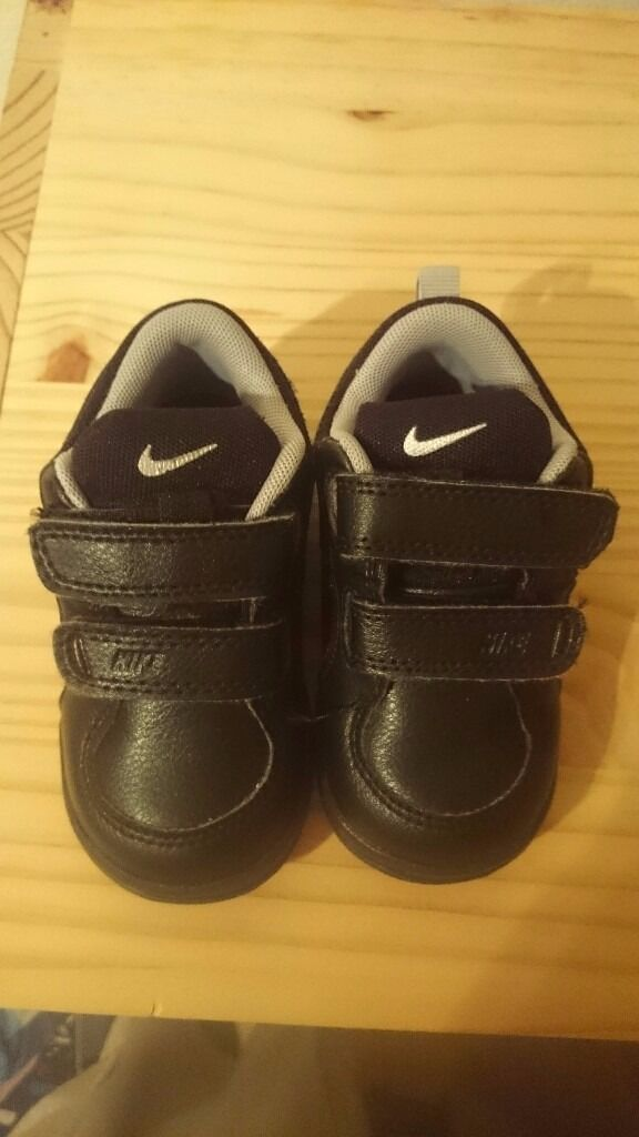 Black Nike Baby Trainers size 4.5 - Brand New - Great Christmas Gift Idea