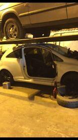 Vauxhall corsa Sri 2010 Black alloys