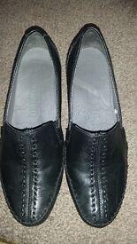 Footglove- women black shoes , size 3