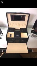 Jewellery Box / Case
