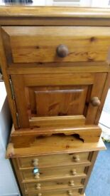 Pine 1 drawer 1 door bedside