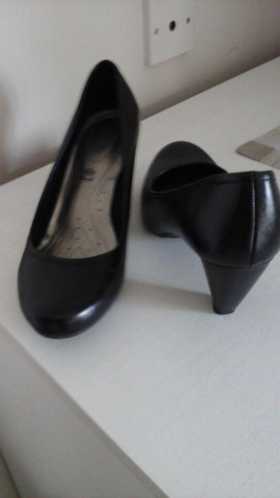 M&S blackcourt shoes. Size 5.
