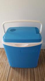 Campingaz portable electric coolbox / cooler or heatbox/warmer